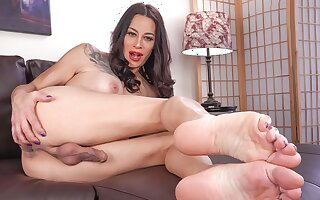 Statuesque Kristen Kraves Rocks Her Red Heels - TGirl40