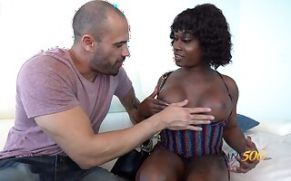 Ebony transsexual whore Nick scrimp Da Hunter is fucked by white man