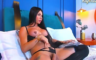 Big Soul Latina Shemale In Sinister Lingerie And Stockings Camshows Peerless